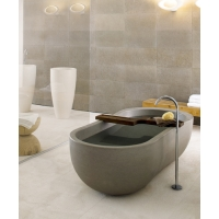 Neutra - Alone bathtub